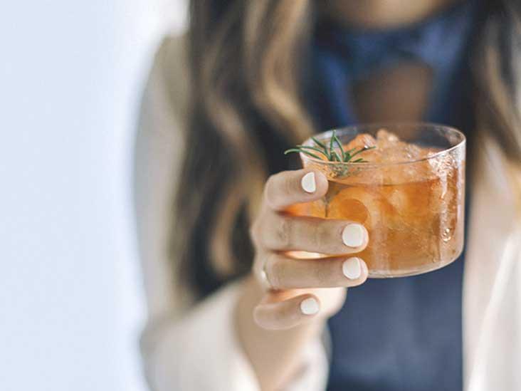 causas del alcoholismo en los jovenes